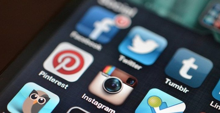 Iphone Social Media Statistics